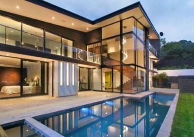 windows-plentiful-house